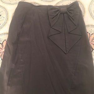 Dresses & Skirts - H&M High-waisted gray skirt with Bow detail.